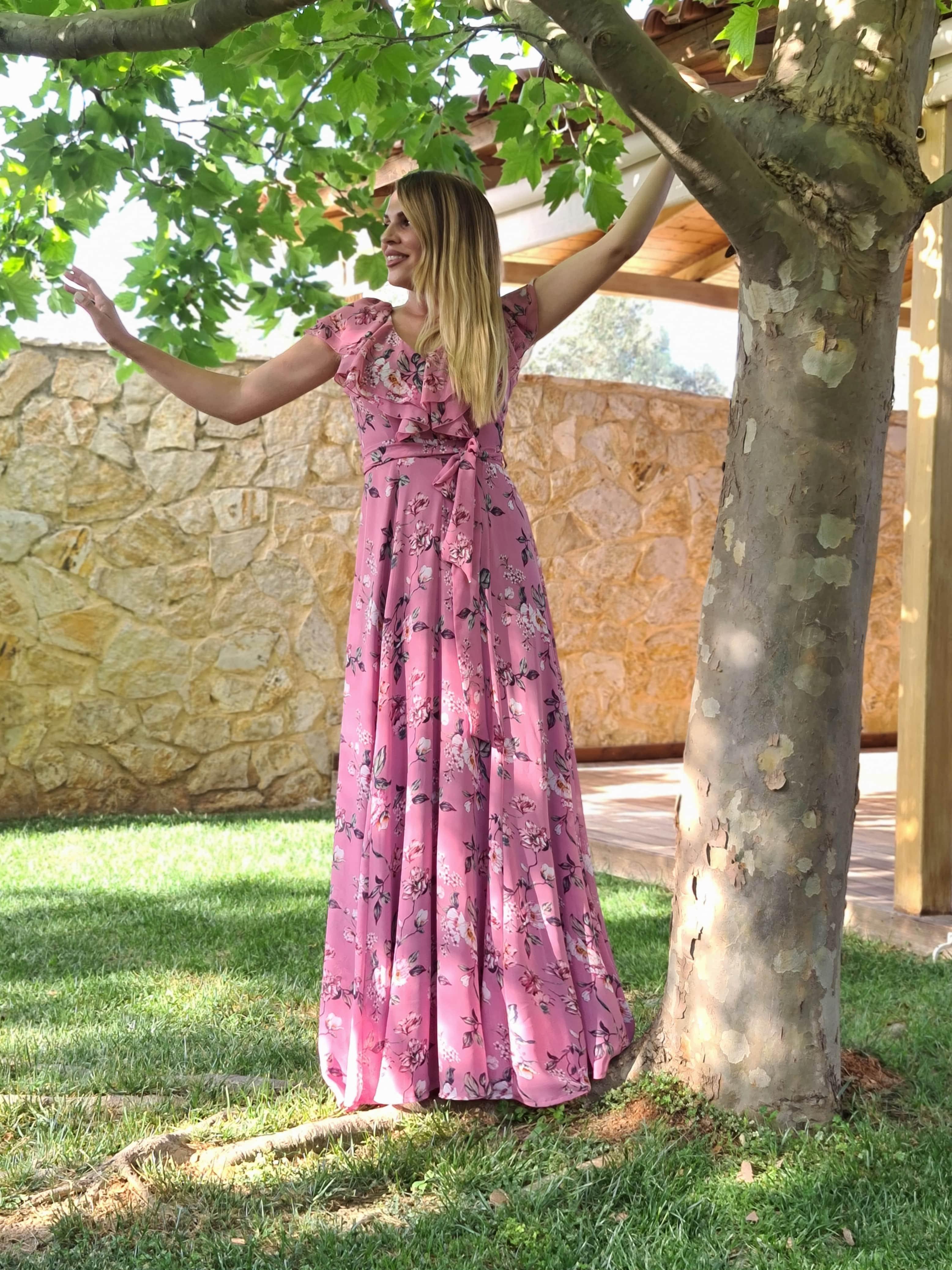 Μάξι φλοραλ φόρεμα με βολάν image