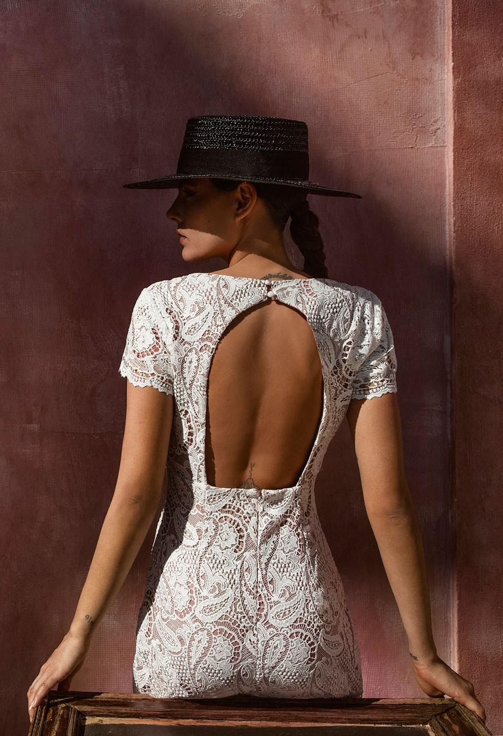 Εκρού φόρεμα δαντέλα image
